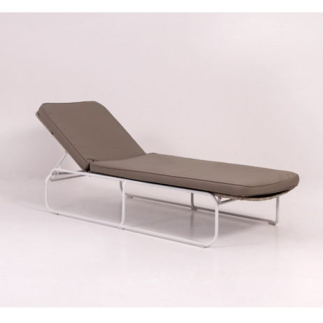 Synthetic rattan sunbeds