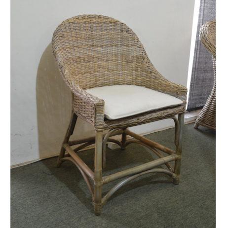 Kubu rattan bar stool