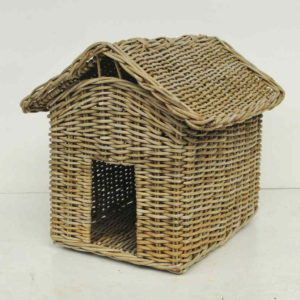 Rattan basket for cats